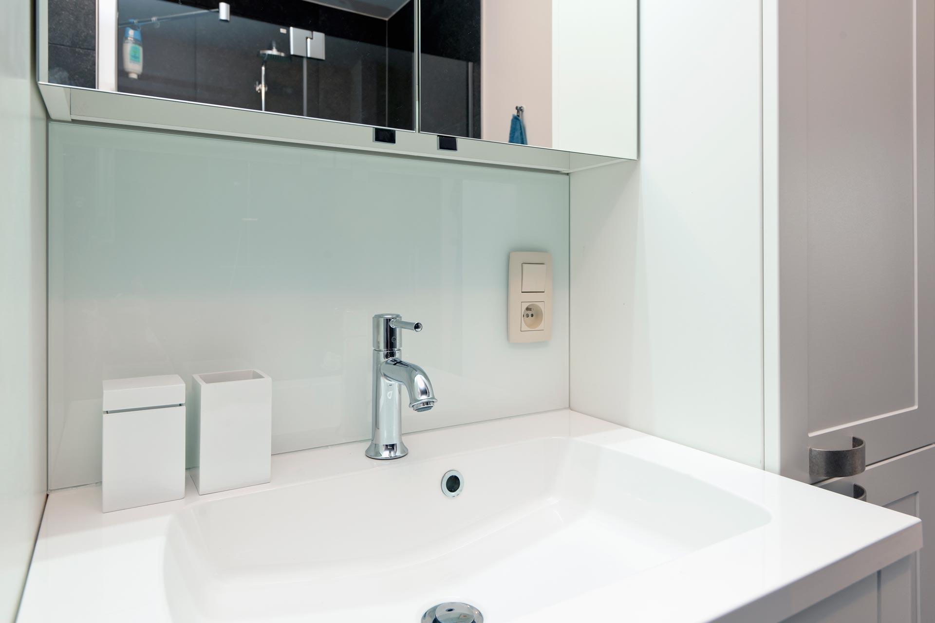 Badkamer meerwaarde nieuwe badkamer galerij foto 39 s van binnenlandse en moderne - Nieuwe badkamer ...